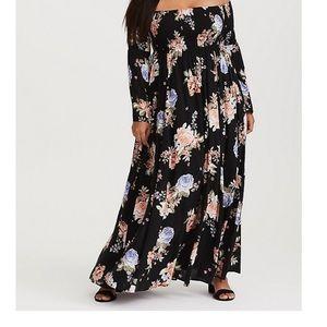 Dresses & Skirts - Torrid 0s maxi dress.